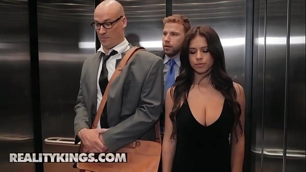 Sneaky Sex – (Sean Lawless, Autumn Falls) – Going Down – Reality Kings